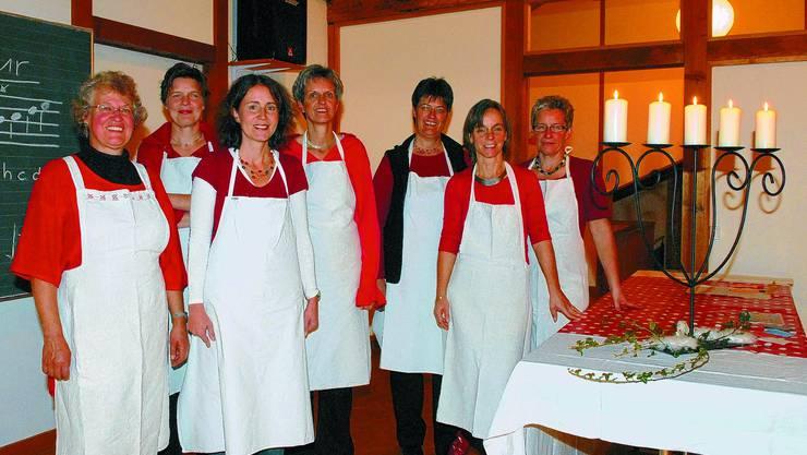 Zum letzten Mal: Therese Habegger, Kathrin Schefer, Dominique Luder, Ursula Kilchenmann, Sonja Grossenbacher, Beatrix Boehm, Brigitte Frick (von links) organisierten zum letzten Mal einen «Froueträff». (Manuela Jäggi-Wyss)