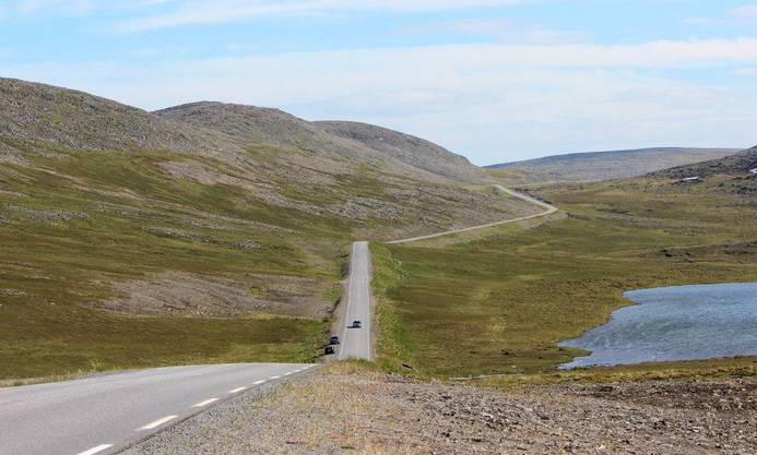 Wenige Kilometer vom Nordkap entfernt herrscht auf den Strassen nicht viel Verkehr