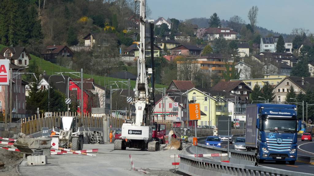 Die Baustelle in St.Margrethen wird von einem Lastwagen versperrt.