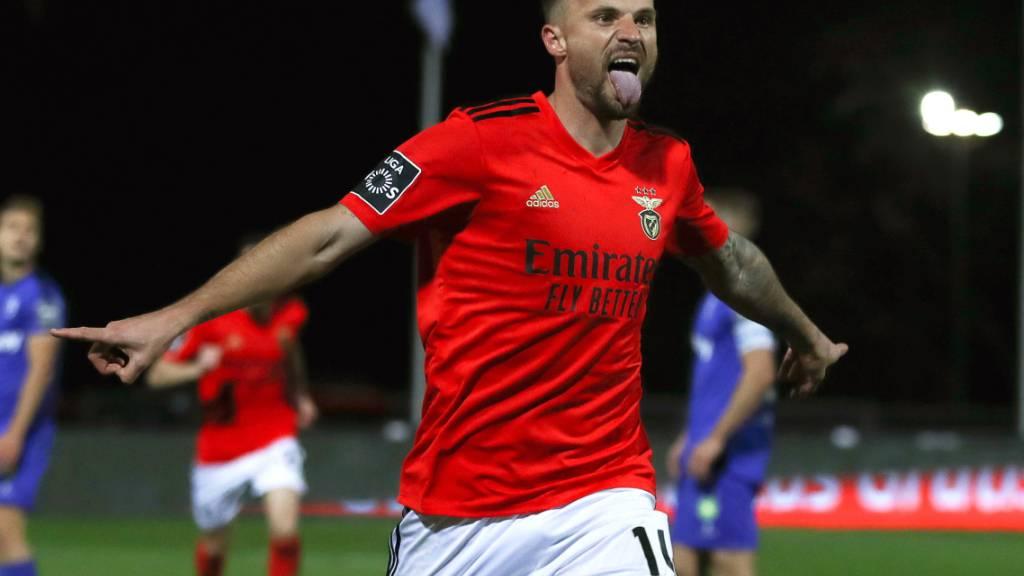 Haris Seferovic freut sich über eines seiner beiden Tore