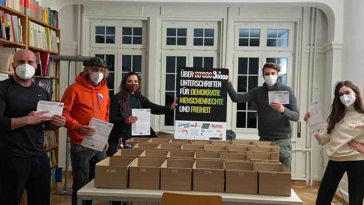 Das linksgrüne Referendumskomitee gegen das Terror-Gesetz sammelte 90'000 Unterschriften.