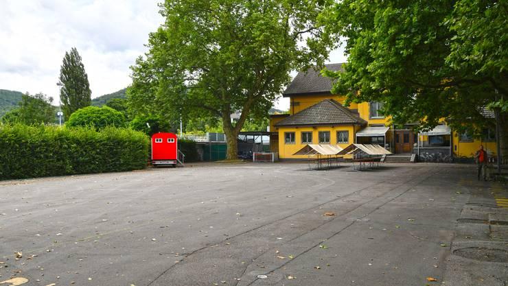 Die SP und die junge SP schlagen in ihrer Motion den Schützi-Vorplatz als Standort für ein öffentliches Basketballfeld vor.