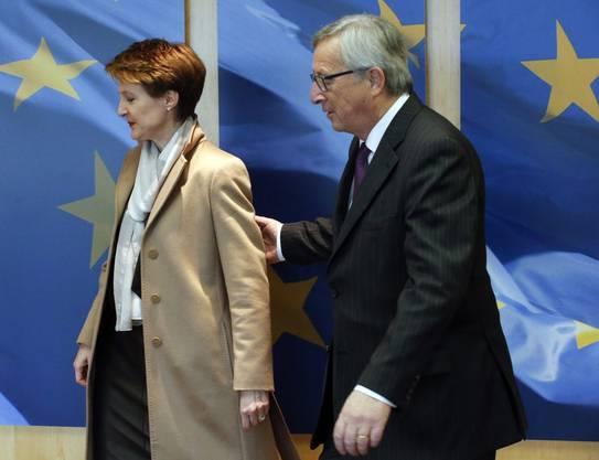 2. Februar 2015, Brüssel: EU-Kommissionspräsident Jean-Claude Juncker heisst Bundespräsidentin Simonetta Sommaruga im Hauptquartier in Brüssel willkommen.