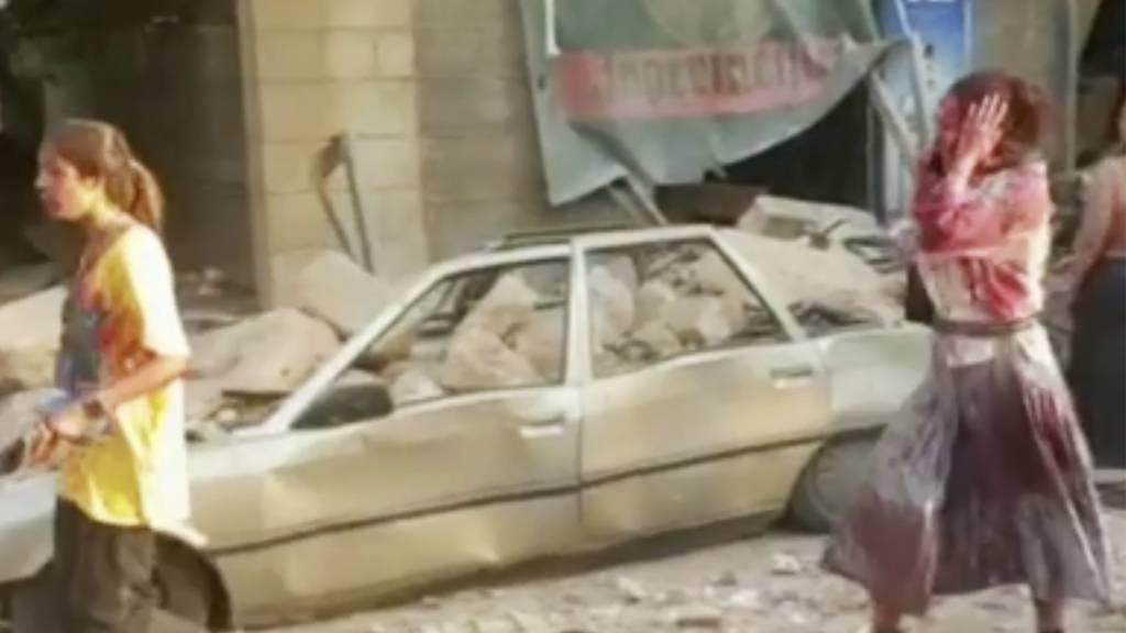 Panik in der Innenstadt von Beirut nach der heftigen Explosion am Dienstagnachmittag.