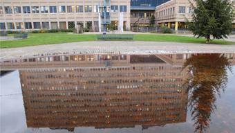 Das Kantonsspital Baden investiert zwei Millionen Franken in ein neues Pumpwerk. (Archiv)