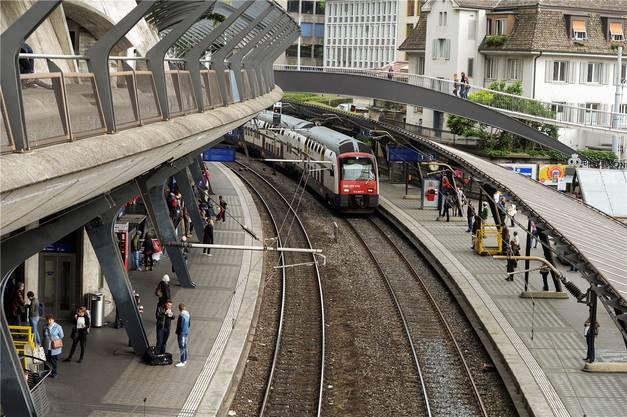Der Bahnhof Zürich Stadelhofen ist ein Nadelöhr. Darum soll ein viertes Gleis gebaut werden. Kosten: 850 Mio. Fr.