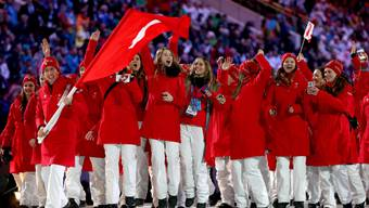 Die Schweizer Delegation an der Eröffnungsfeier der Olympischen Spiele in Sotschi