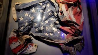 Eine US-Flagge, die am Tag des Anschlags beim World Trade Center gehisst war.