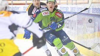 """Stürmer Chris Egli, der """"Mann aus Sursee des Eishockeys"""", erzielte zwei der drei Davoser Tore gegen Ambri-Piotta."""