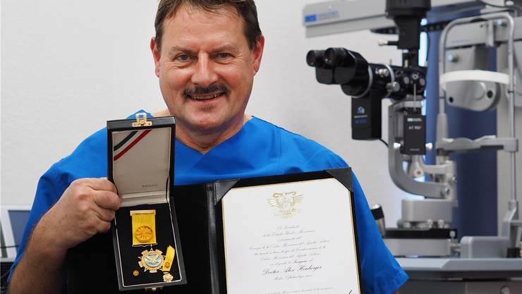 Alex Heuberger ist stolz auf die erhaltene Auszeichnung «àguila azteca». bruno kissling