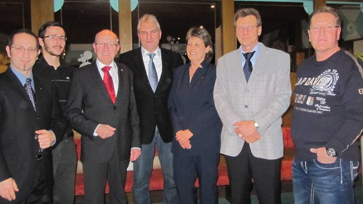 Die sechs Nomminierten und Regierungsratskandidat Albert Studer (M.).