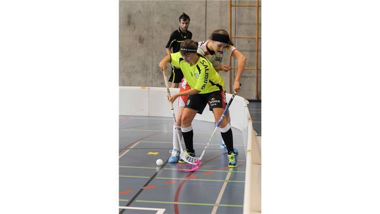 Unihockey Basel Regio gegen Red Lions Frauenfeld in Pratteln im Kuspo. Starkes Spiel von Viktoria Huerzeler gegen Marianne Gaemperli.