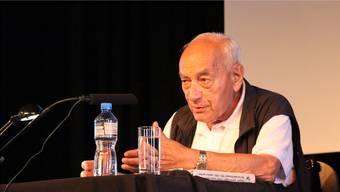 Eugen Gomringer zog das Publikum an den Literaturtagen Brugg mit seinen humorvoll-hintergündigen Bemerkungen voll und ganz in seinen Bann.