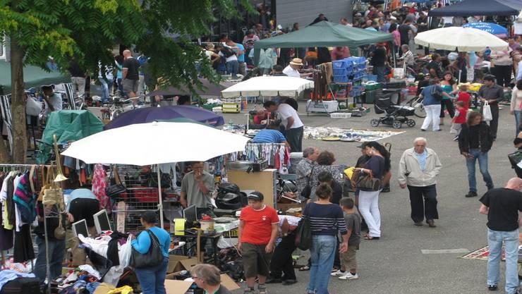 Bringt Leben in den Kleinbasler Sonntag: Der Flohmarkt auf der Erlenmatte beschäftigt die Behörden. zvg