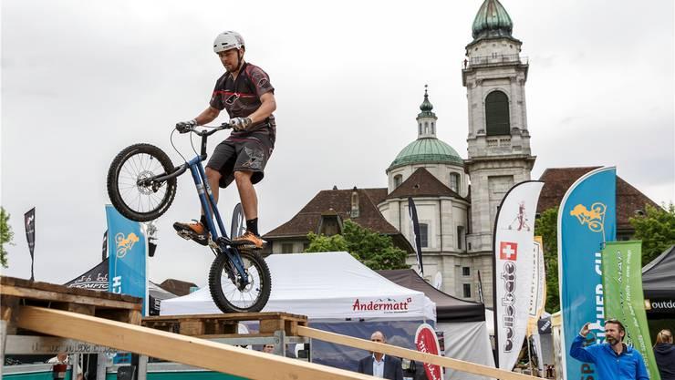 Auch dank seiner Altstadtkulisse hat sich Solothurn als Frühlingstreffpunkt der Bike-Szene etabliert.