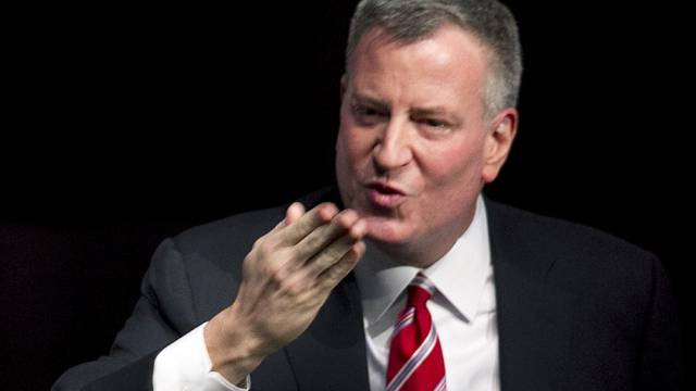 Gruss an Papierlose: Der New Yorker Bürgermeister Bill de Blasio