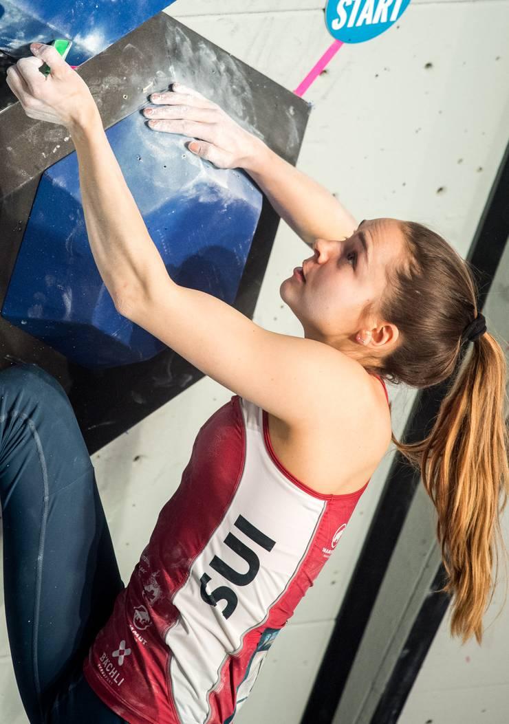 Andrea Kümin (Winkel) zeigt einen starken Halbfinal und erreicht mit dem 10. Rang das beste Weltcup-Resultat ihrer noch jungen Karriere.