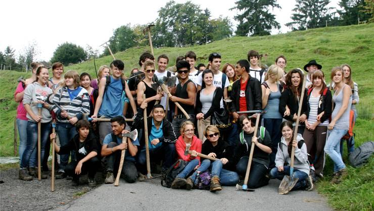 Die Schülerinnen und Schüler vor dem Aufbruch in den Berufsalltag. Alain Gantenbein