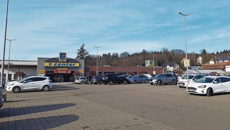 Der Parkplatz des Laufenburger Einkaufszentrums Laufenpark bleibt dieser Tage öfter beinahe leer.