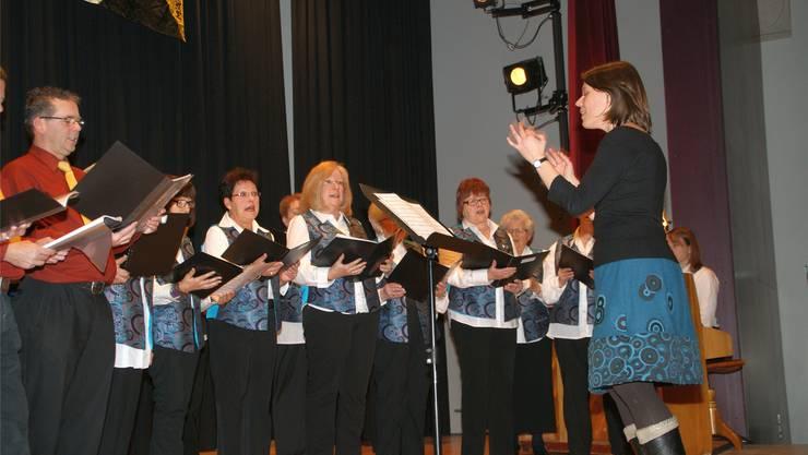 Die Theatergruppe des Männerchors Schmiedrued unterhielt dasPublikum mit dem Einakter «D Metzgete».sih