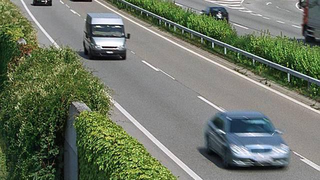 Unfall auf Autobahn A1 (Symbolbild)