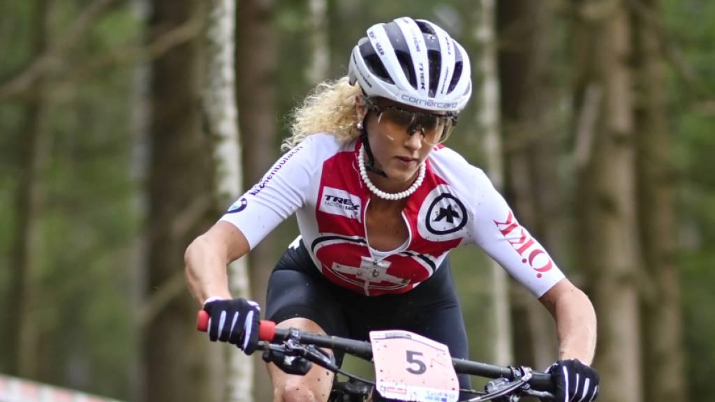 Jolanda Neff fuhr am Sonntag mit einer gebrochenen linken Hand das Cross-Country-Weltcuprennen in Leogang/AUT zu Ende
