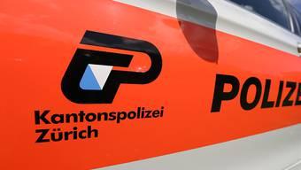 Laut der Kantonspolizei Zürich ist am Dienstagabend ein Motorradfahrer in Seuzach ZH tödlich verunglückt. (Symboldbild)