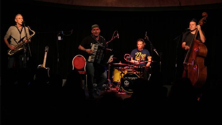 Jazz-Brunch am Sonntag mit Dülü Dubach und Supersiech.