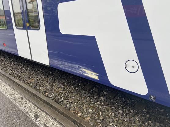 ... aber auch am Zug entstand Sachschaden.