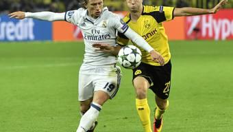 Das Duell zwischen Borussia Dortmund (Christian Pulisic, rechts) und Real Madrid (Luka Modric) war höchst umkämpft und ebenso unterhaltsam