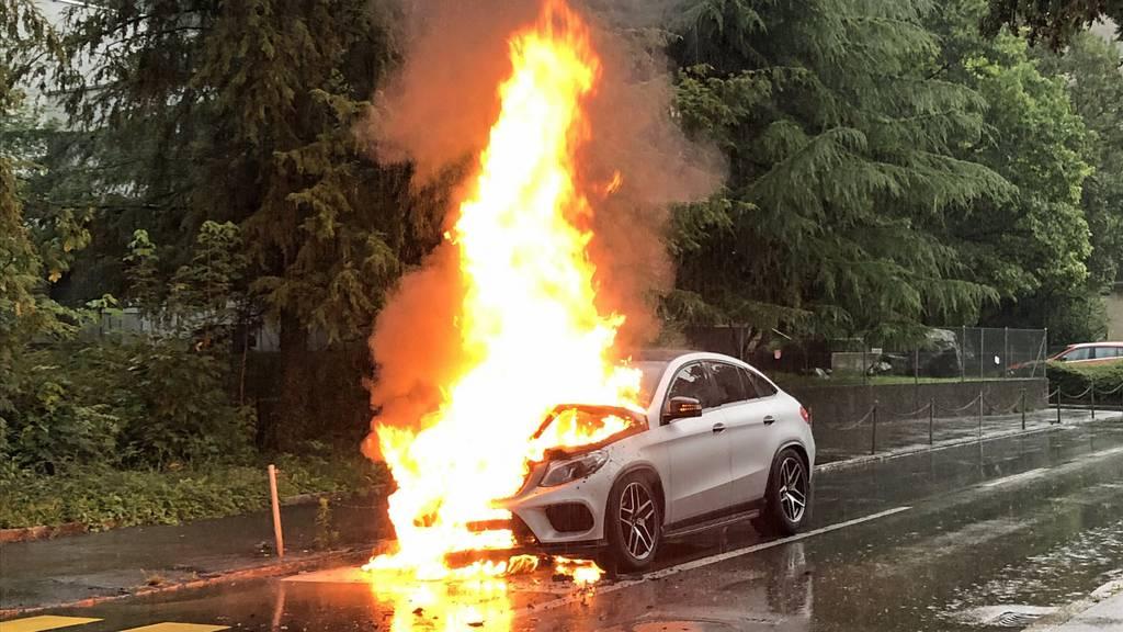 Auto in Kriens ausgebrannt