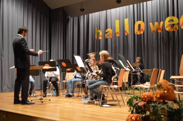 Das Bläser-Ensemble der Musikschule Schenkenbergertal unter der Leitung von Tobias Zwicky