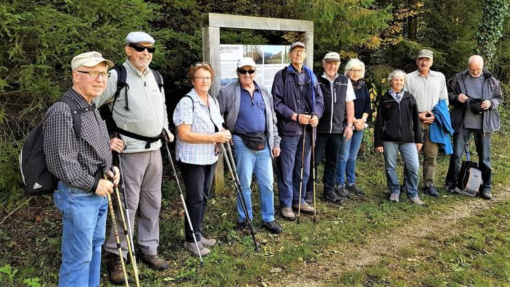 """Foto der Personen der Wanderung """"Holzweg Thal"""" auf der Wanderweg von Balsthal, Pfadiweg zum Übergang des Augstbachs"""