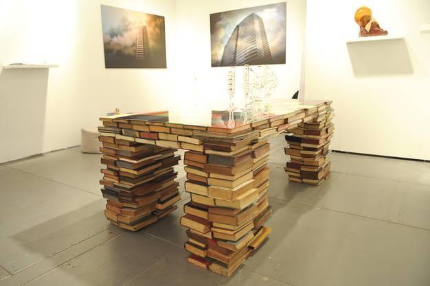Booktable von Richard Hutten