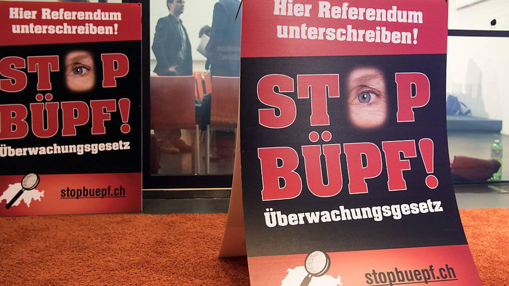 Das Referendum gegen das revidierte Überwachungsgesetz BÜPF kam nicht zustande. Der Bundesrat hat nun die Details für die Umsetzung geregelt. (Archivbild)
