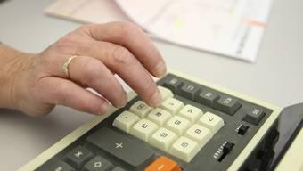 Die Gemeinden müssten für ihre Bemühungen in Form von direkten Steuern der Unternehmen entschädigt werden, so der VSEG. (Symbolbild)