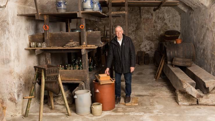 Walter Spillmann im Ortsmuseum Schürhof in Windisch