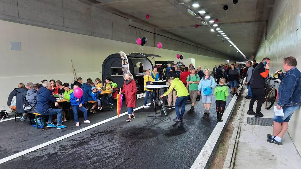 Einwohner feiern Eröffnung der Umfahrung Bütschwil