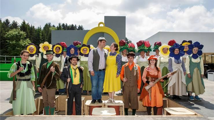 Das Liebespaar Christel (Anna Vichery) und Adam (Roman Lauder) steht im Mittelpunkt der Operette.