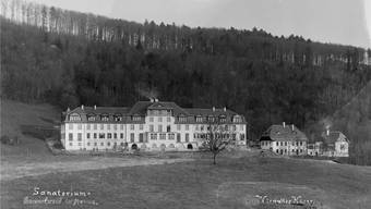 Auf der Sonnenterrasse am Jurasüdfuss auf 800 Meter über Meer: Die neu errichtete Heilstätte Barmelweid im Jahre 1912.
