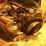 Auto brennt nach einem Unfall am Sustenpass in einem kurzen Tunnel aus.