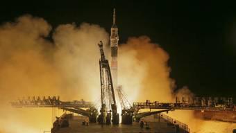 Der Start der Sojus-Rakete erfolgte vom Weltraumbahnhof in Baikonur, Kasachstan.