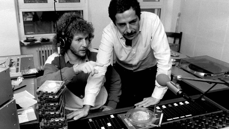 Roger Schawinski und Moderator Walti Lutz aufgenommen am 1. November 1983 in Zürich