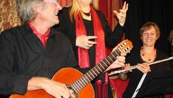 Maria Magdalena Kaufmann (Mitte) und das Ensemble Flötissimo. DPO