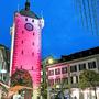 Zu Beginn der «Orange Days» stellte der Badener Stadtturm ein Symbol gegen Gewalt an Frauen dar.