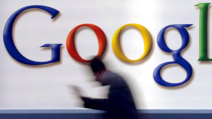 Google-Logo in der deutschen Finanzmetropole Frankfurt.