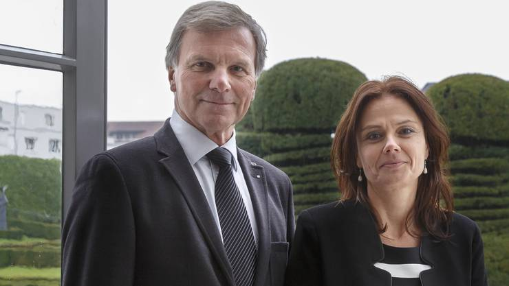 Geschäftsführerin Regula Buob und Vizepräsident Beat Graf sind stolz auf die Auszeichnung der De Vigier Stiftung mit dem Unternehmerpreis.
