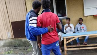 Abgewiesene Asylsuchende müssen neu zweimal täglich zur Präsenzkontrolle in ihrer Unterkunft sein. Keystone