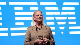 Der Technologiekonzern IBM hat im ersten Quartal 2020 Umsatz- und Gewinneinbussen hinnehmen müssen. Im Bild die ehemalige Konzernchefin Ginni Rometty, die Ende Januar 2020 ihren Chefposten an Arvind Krishna abgegeben hat. (Archivbild)
