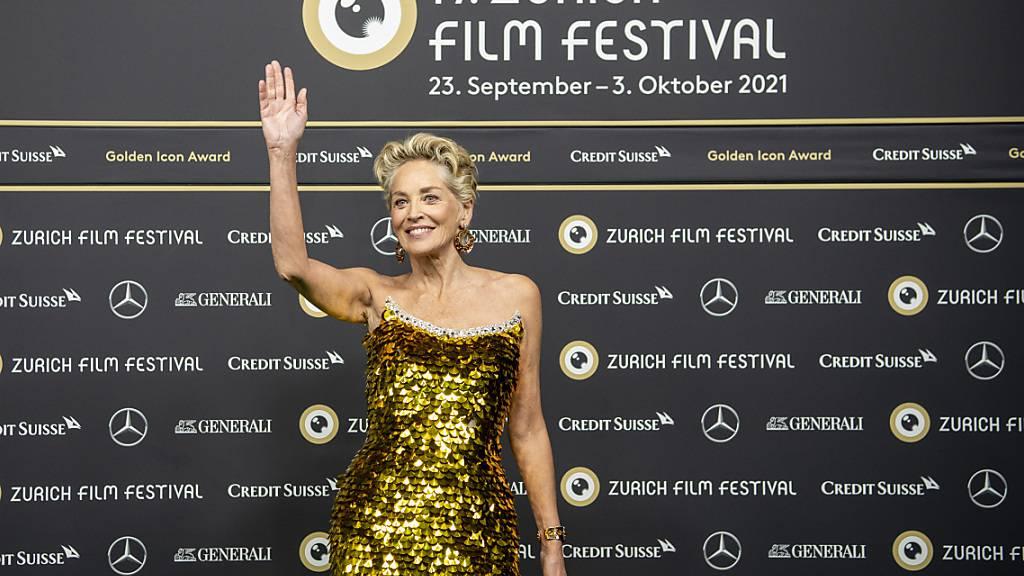 US-Schauspielerin Sharon Stone am 17. Zurich Film Festival. Die Organisatoren werten die jüngste Ausgabe des Festivals als vollen Erfolg, es kamen 50 Prozent mehr Besucherinnen und Besucher als im Vorjahr.